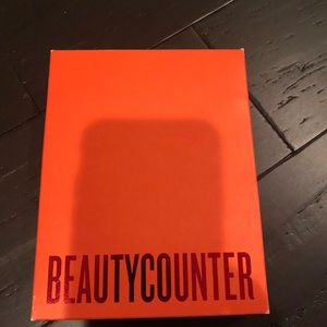 Beautycounter Counterman travel set. Never used.